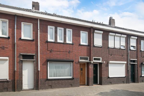Christiaan Huijgensstraat 32    5025 EE Tilburg - 2