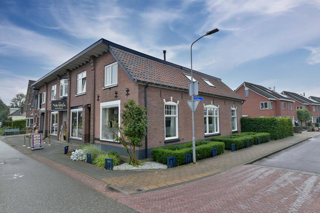 https://images.realworks.nl/servlets/images/media.objectmedia/110274041.jpg?portalid=1717&check=api_sha256%3Abf388ee18f2d218ddfc1af459e86fe023d4889ed162b751edaac703b6b8d03e5