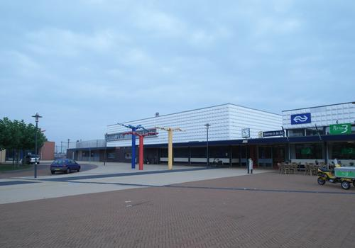 Stationsplein 6 in Steenwijk 8331 GM