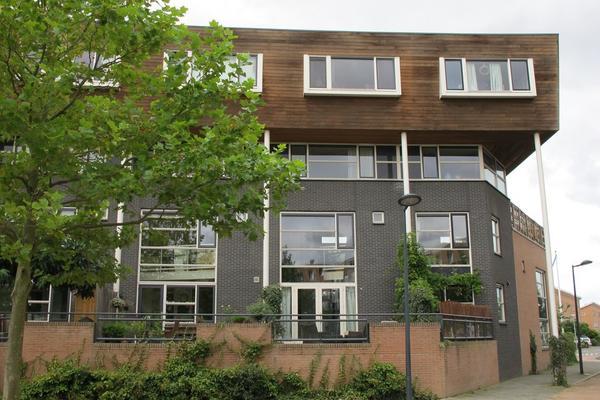 Zomerpark 4 in Nieuw-Vennep 2151 HA