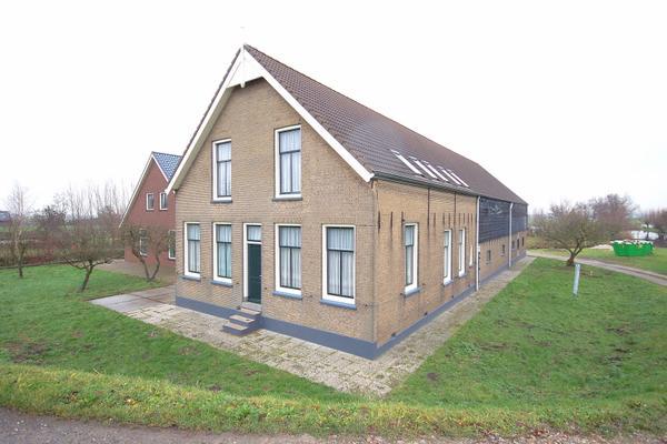 IJsseldijk-Noord 77 in Ouderkerk Aan Den IJssel 2935 BJ