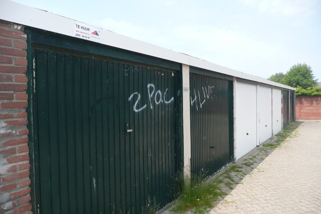 Garage Den Helder : Zeeloodsenlaan 43 in den helder 1785 bm: opslagruimte te huur