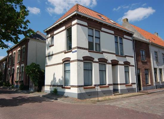 Rodeheldenstraat 32 in Buren 4116 BB