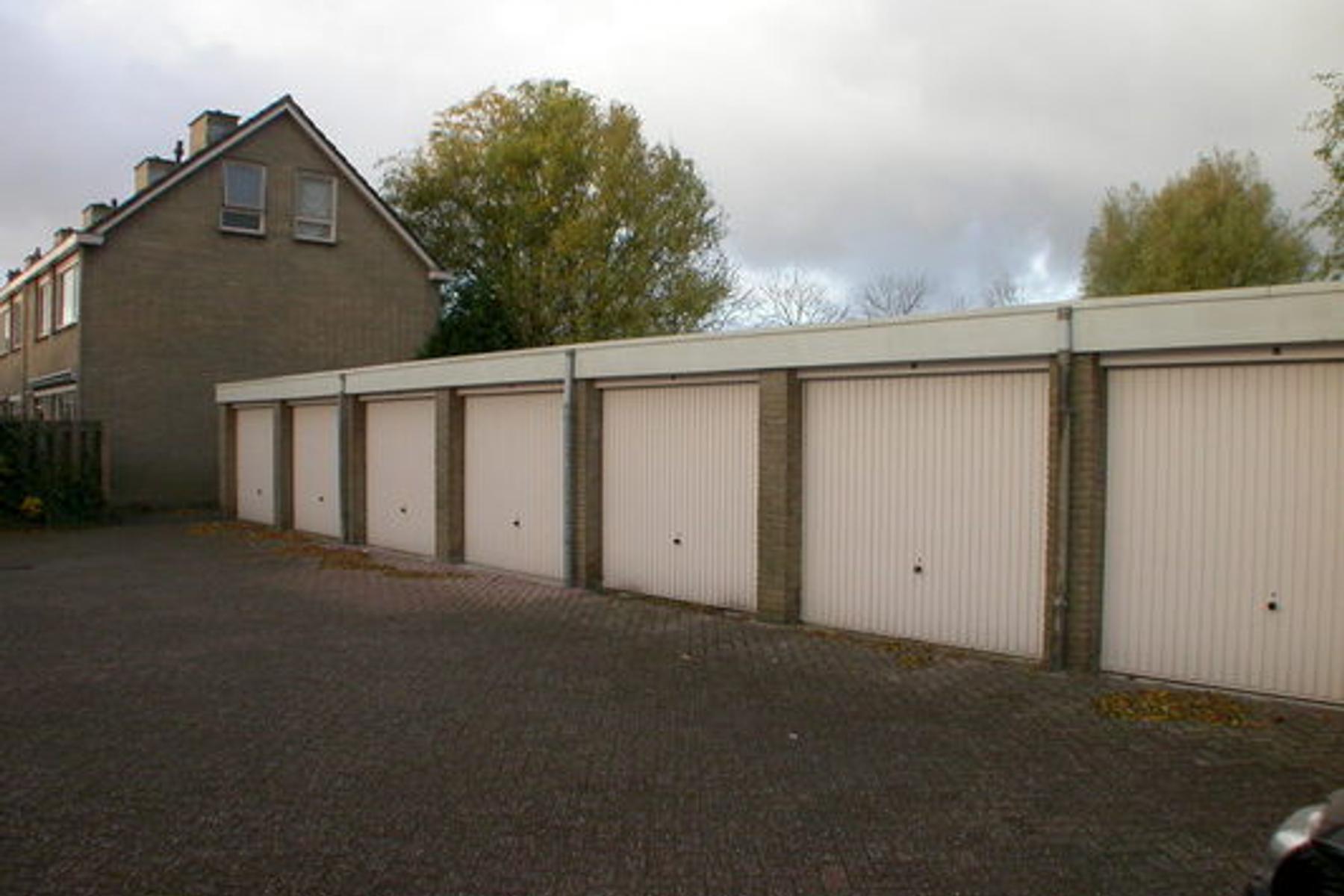Garage Nieuw Vennep : Zwanenwater 27 g in nieuw vennep 2152 bl: garagebox. jeroen van