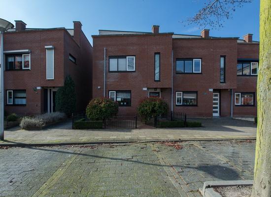 Rondostraat 127 in Hellevoetsluis 3223 PB