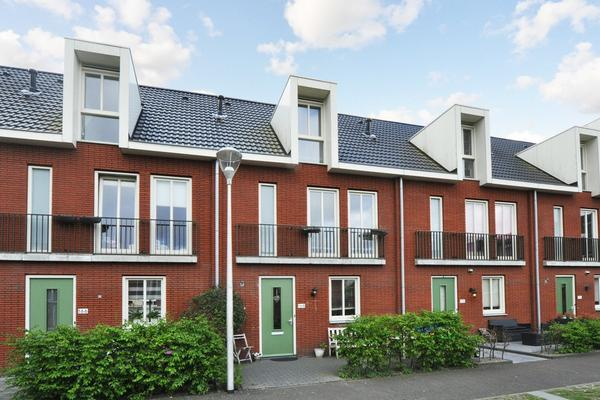 Gilze-Rijenhof 168 in Nootdorp 2631 LB