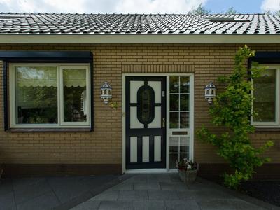 Raadhuisstraat 18 in Zuidland 3214 AR
