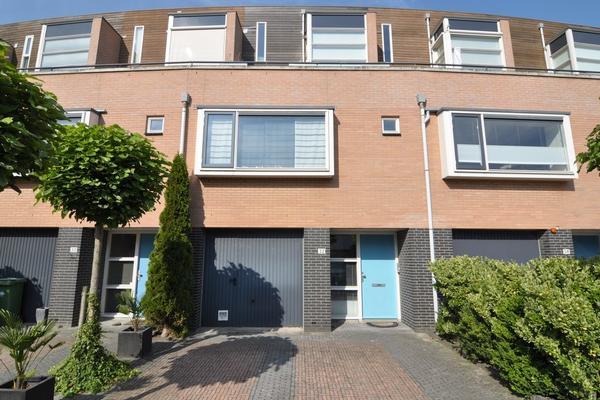 Zomerpark 32 in Nieuw-Vennep 2151 HA