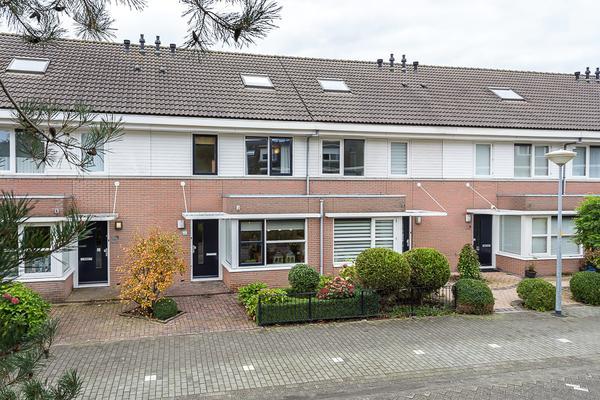 Paganiniplantsoen 13 in Nieuw-Vennep 2151 GG