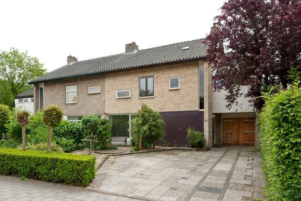 Binnenlandse Baan 82 in Barendrecht 2991 EB