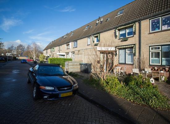 Isaac Sweersstraat 11 in Hellevoetsluis 3223 SK