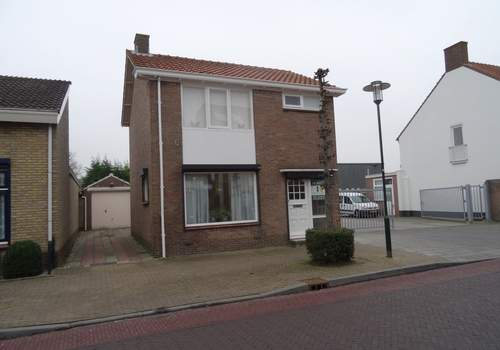 Ooststraat 10 in Kapelle 4421 EB