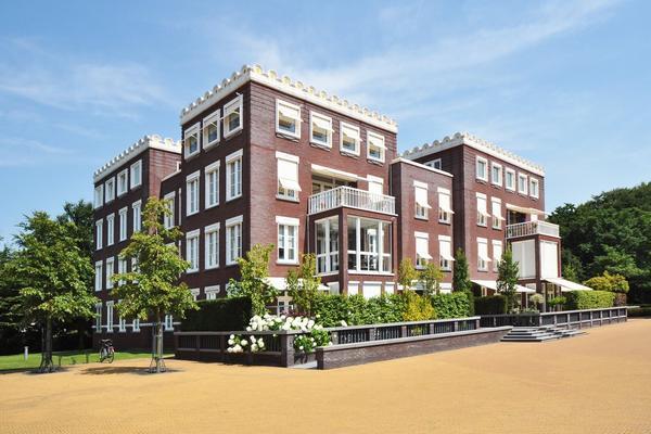 Van Ommerenpark 322 in Wassenaar 2243 EZ
