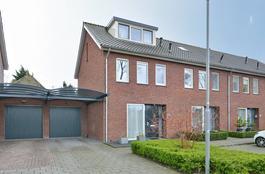 Amalia Van Solmsstraat 1 B in Drimmelen 4924 BR