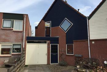 Van Meeuwenstraat 10 in Spaarndam 2064 LD