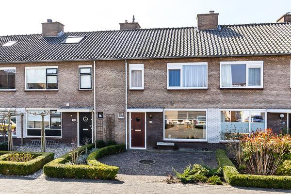 Dorsersstraat 28 in Nieuw-Vennep 2151 CH