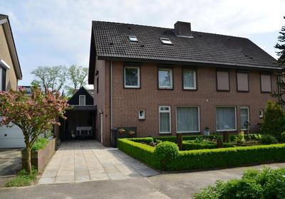 Molengraaf 8 in Schaijk 5374 AH