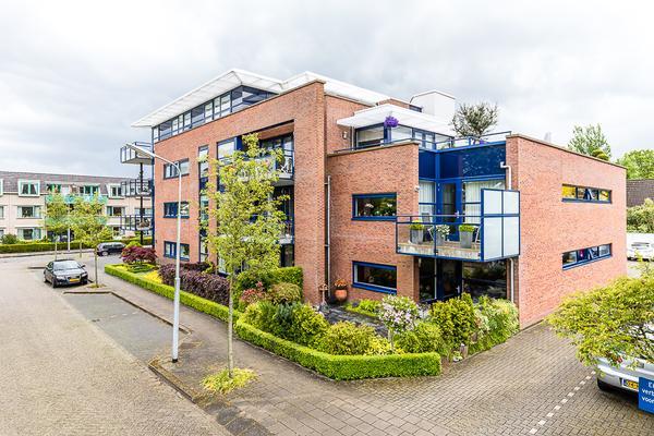 Spoorstraat 8 in Nieuw-Vennep 2151 AV