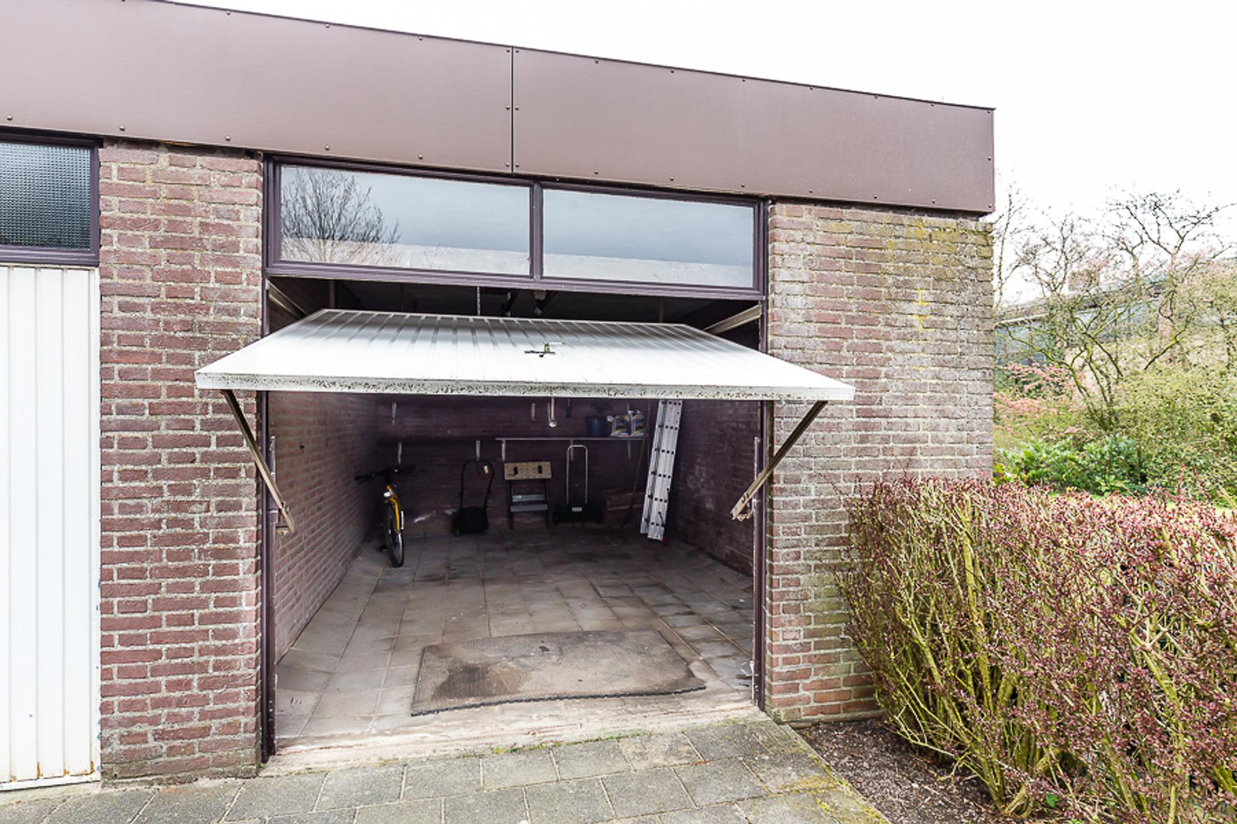 Garage Nieuw Vennep : Welgelegen 3 g in nieuw vennep 2152 bh: garagebox. jeroen van den