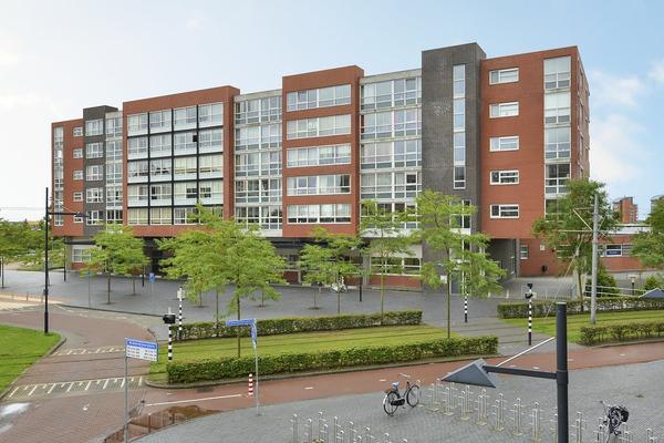Middeldijkerplein 15 in Barendrecht 2993 DL