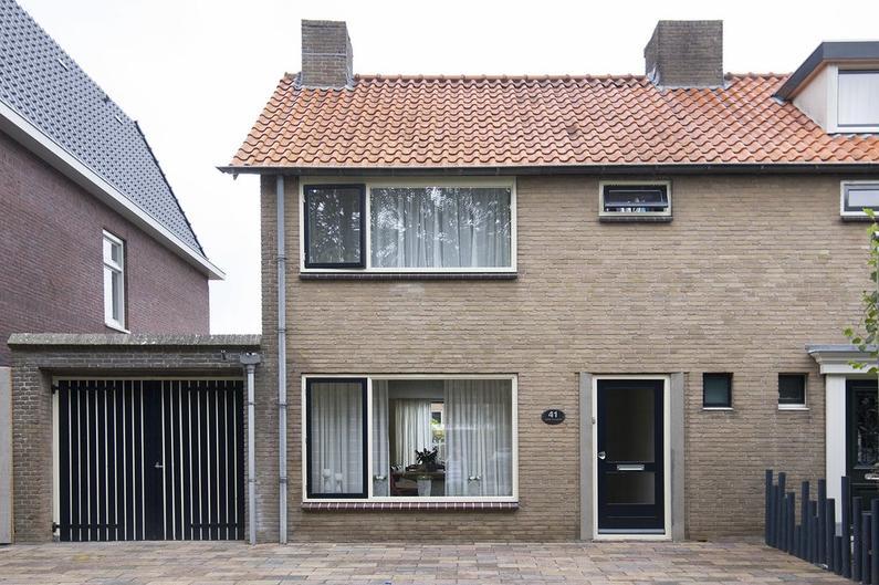 Achterstraat 41 in Willemstad 4797 AP