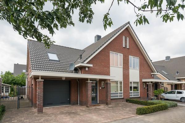 Larikshout 11 in Barendrecht 2994 GE
