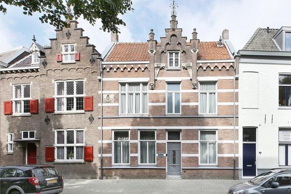Jan Heinsstraat 38 in 'S-Hertogenbosch 5211 TE