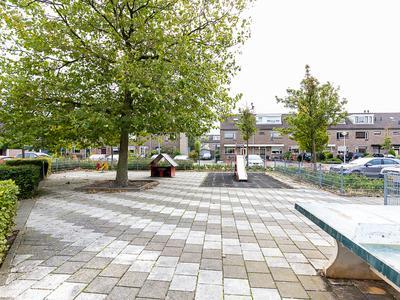 Bleker 37 in Nieuw-Vennep 2152 AR