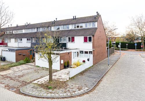 Vagerveld 82 in Nieuw-Vennep 2151 ZE