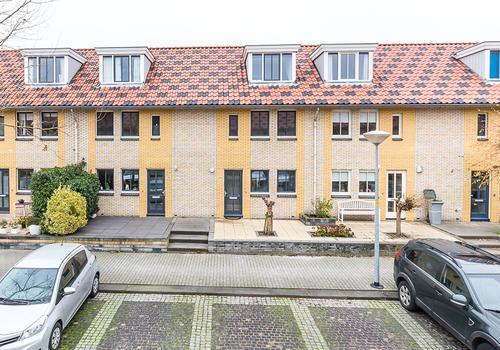 Siciliano 96 in Nieuw-Vennep 2152 TS