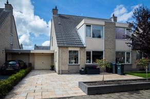 Bellinkstraat 8 in Hellevoetsluis 3223 HS