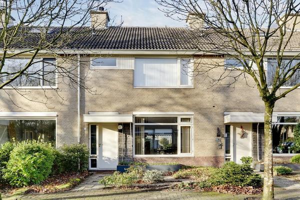 Van Leeuwenhoeklaan 14 in Oosterhout 4904 KR