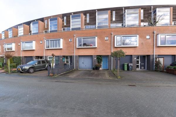 Zomerpark 48 in Nieuw-Vennep 2151 HA