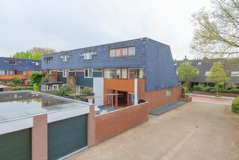 Krommeland 77 in Velsen-Zuid 1981 BS