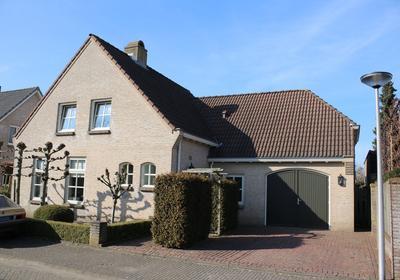 Turfbijl 8 in Rucphen 4715 GL