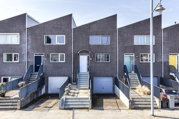 Strausslaan 23 in Nieuw-Vennep 2151 NE