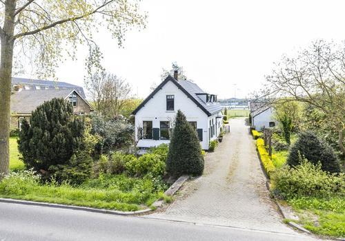 IJweg 1504 in Nieuw-Vennep 2152 NB