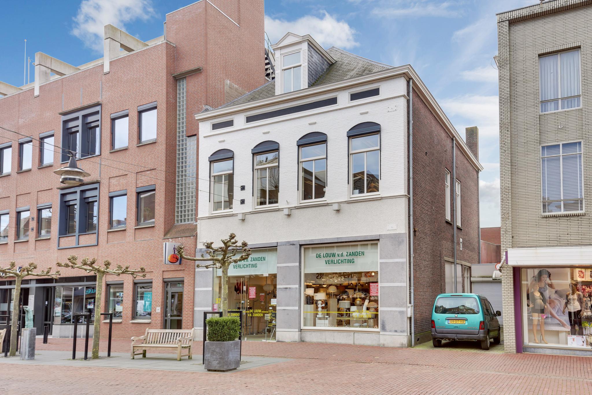 Kerkstraat 37 in Helmond 5701 PL: Winkelruimte. - Adriaan van den ...