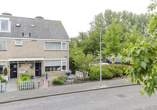 Warande 1 in Nieuw-Vennep 2152 CK