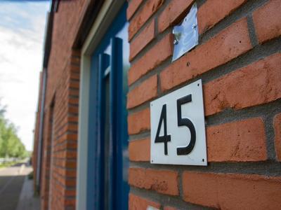 Oomskind 45 in Den Hoorn 2635 MB