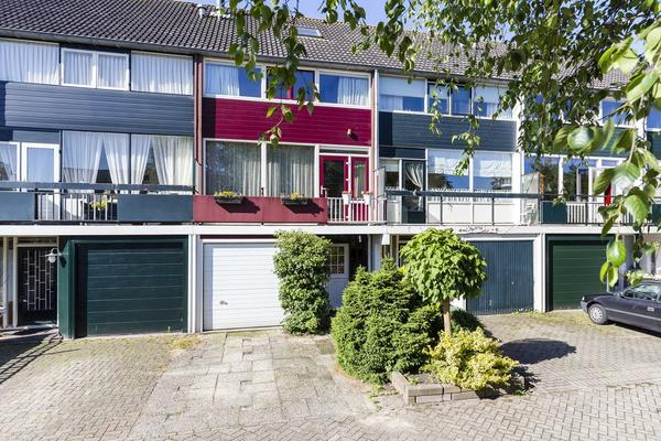 Kinlozen 39 in Nieuw-Vennep 2151 XB