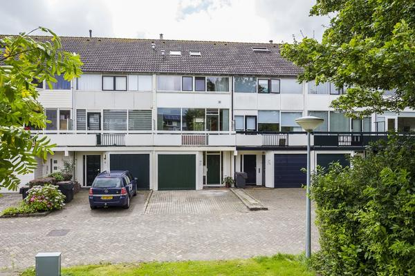 Zwattingburen 50 in Nieuw-Vennep 2151 ZL