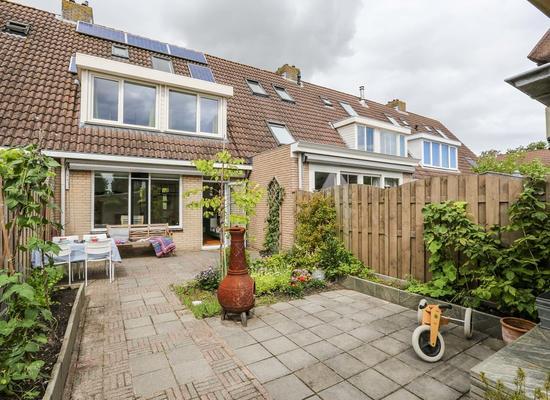 Theo Kwantenstraat 40 in Hellevoetsluis 3223 CG