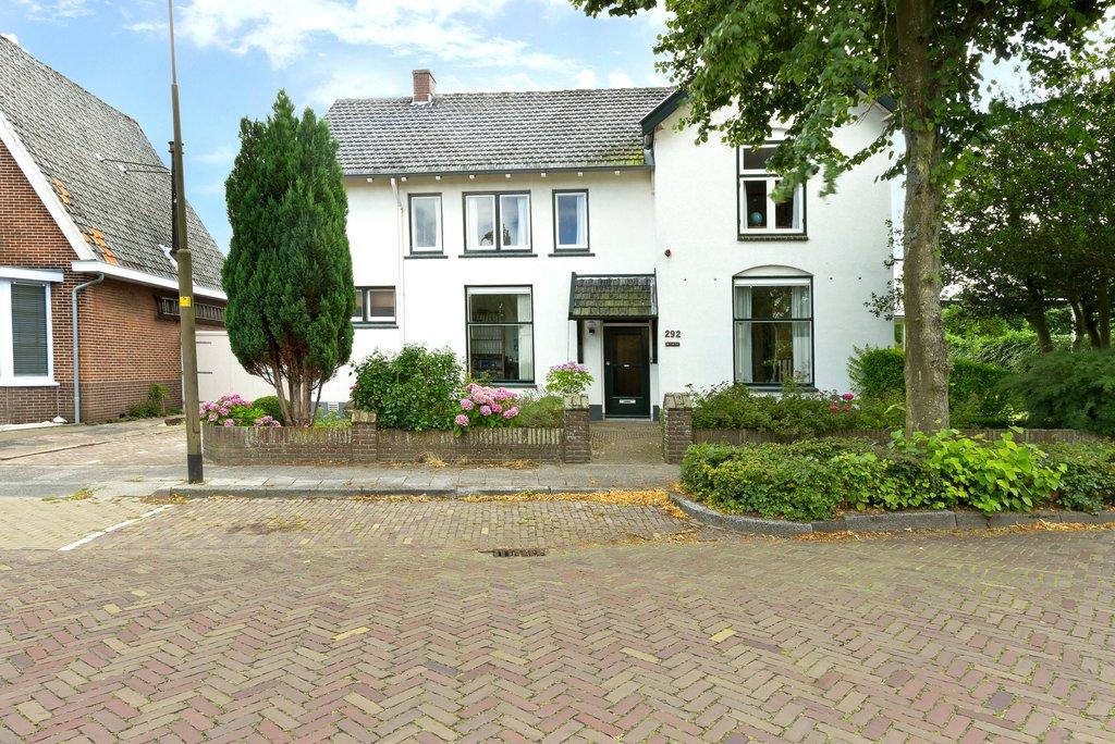 Authentieke Details Behouden : Westerweg 292 in heiloo 1852 as: woonhuis. vos makelaars