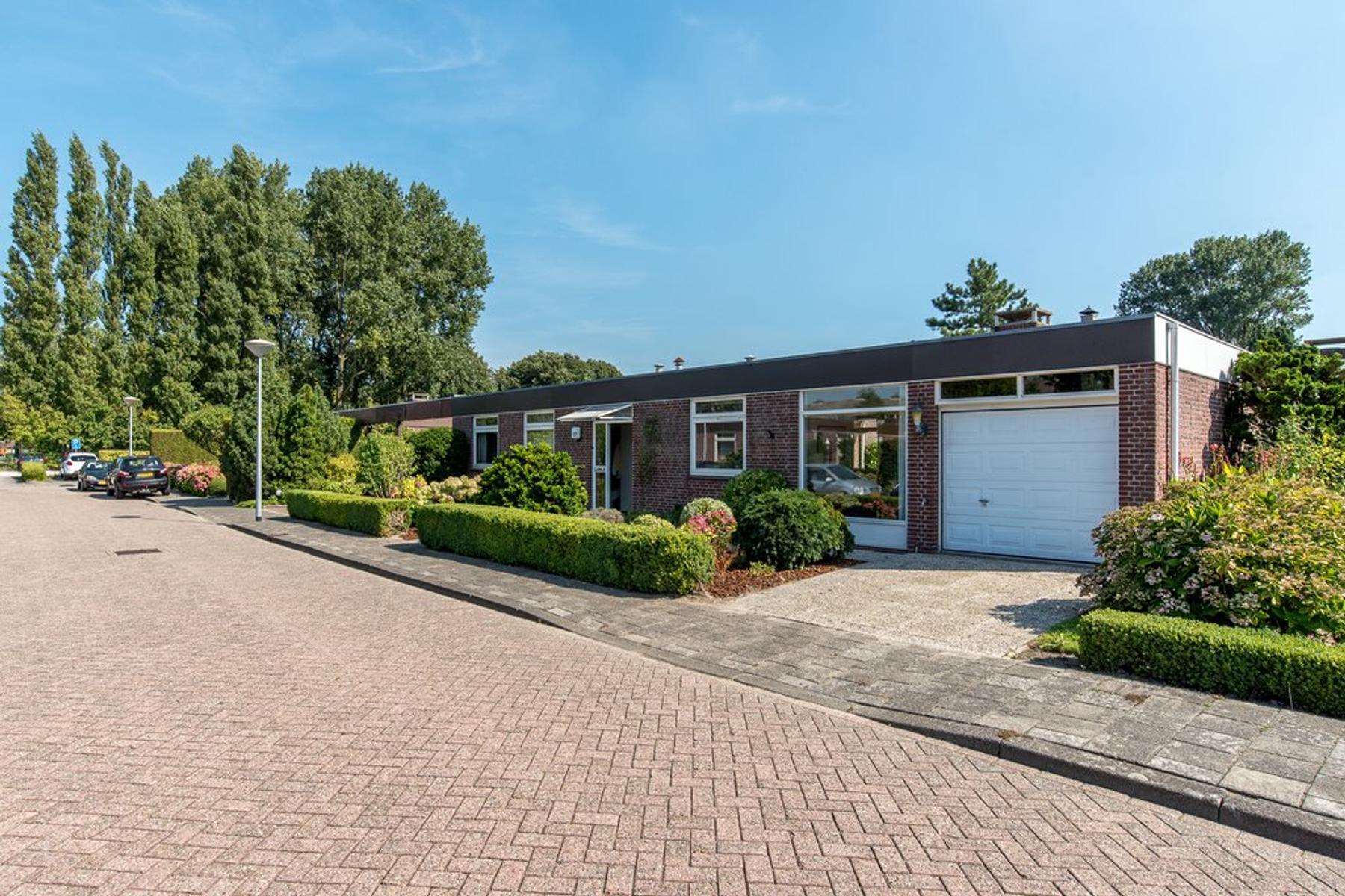 Garage Nieuw Vennep : Welgelegen 17 in nieuw vennep 2152 bh: woonhuis. wk makelaars