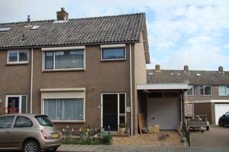 Mr P S Gerbrandystraat 15 in Zuidland 3214 XM