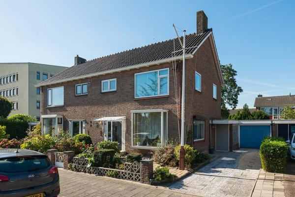 Maasstraat 24 in Barendrecht 2991 AD