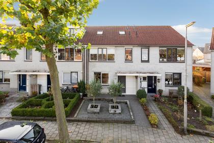 De Braam 37 in Deventer 7421 CC