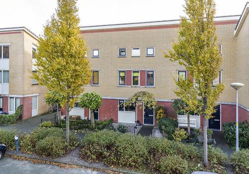 Cronenstein 46 in Nieuw-Vennep 2151 EN