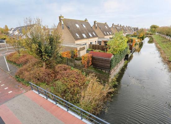 Baron Van Leydenstraat 50 in Hellevoetsluis 3223 HB